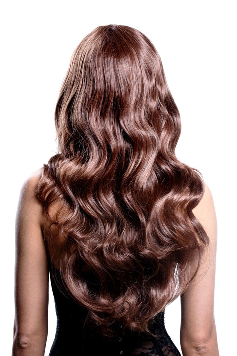 Frau mit langen Haaren - Haarverlängerung.